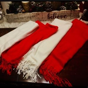 Scarf - Lot of 4 ...  2 are red and 2 are white!